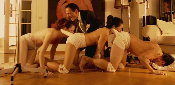 the-human-centipede-the-first-sequence-191-e1288211040148-700x342