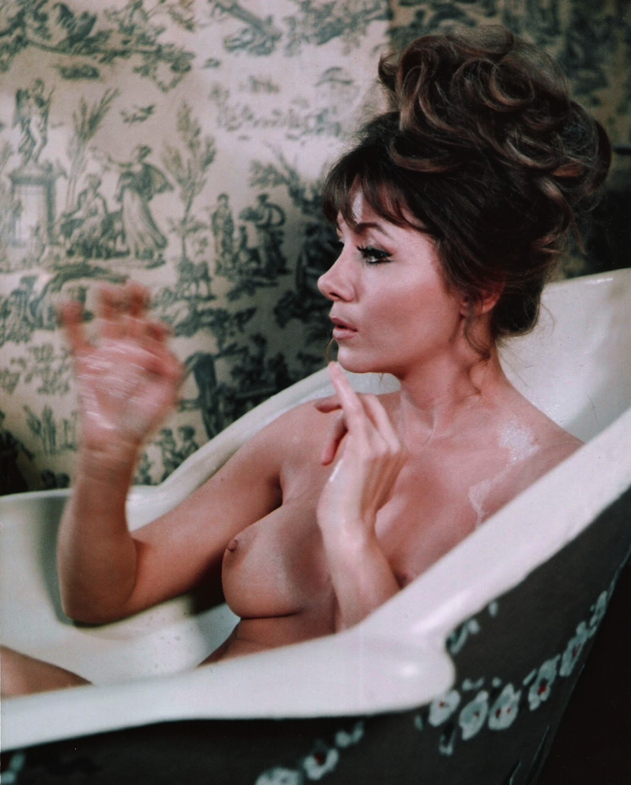 This image has an empty alt attribute; its file name is ingrid-pitt-nude.jpg